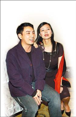 ■陳孝萱(右)與製作人老公詹仁雄(左)婚變,兩人昨天發布共同聲明稿。(記者黃柏榮攝)